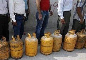 گلایه مردم گیلان از کمبود گاز مایع؛ ۴ سیلندر گاز مایع کفاف نیازهای خانوارها نیست