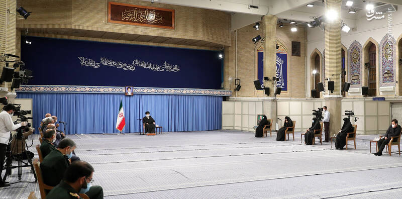 3007750 دیدار دستاندرکاران مراسم سالگرد شهید سلیمانی با رهبر انقلاب