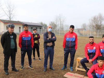 حضور کمیل لاهوتی در محل تمرین تیم فوتبال الماس تازه آباد چاف