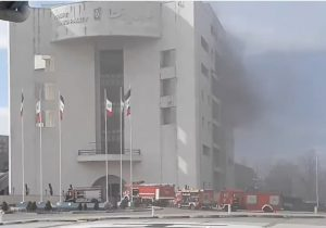 آتش سوزی در ساختمان مرکزی شهرداری رشت مهار شد