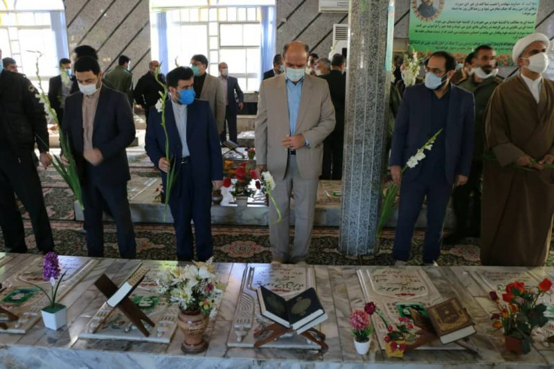 05e7dca7-33a6-4442-95f5-6a2522cb5a43-800x533 ادای احترام شهردار شهر چاف و چمخاله به مقام شامخ شهدای انقلاب اسلامی