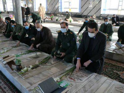 ادای احترام شهردار شهر چاف و چمخاله به مقام شامخ شهدای انقلاب اسلامی