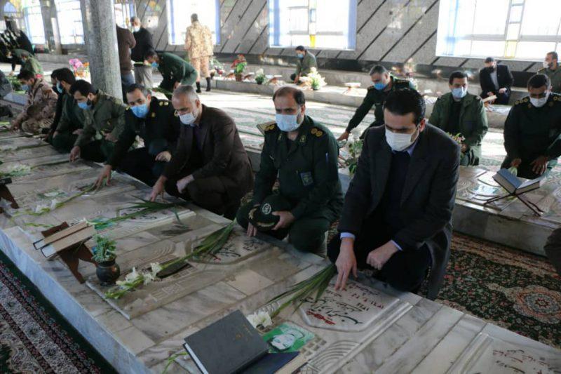 0f617c24-27a9-4f20-a57a-0b15387d90d2-800x533 ادای احترام شهردار شهر چاف و چمخاله به مقام شامخ شهدای انقلاب اسلامی