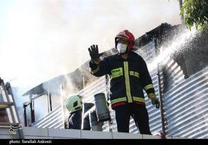 آتشسوزی در راسته لباسفروشان بازار بزرگ رشت؛ هوشیاری مغازهداران جلوی بروز فاجعه را گرفت