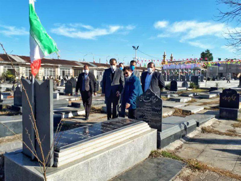 photo_2021-01-31_13-37-10-800x600 ادای احترام شهردار رشت به مقام شامخ شهدای انقلاب اسلامی