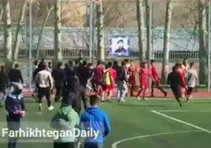 ماجرای درگیری شدید در فوتبال تهران + فیلم