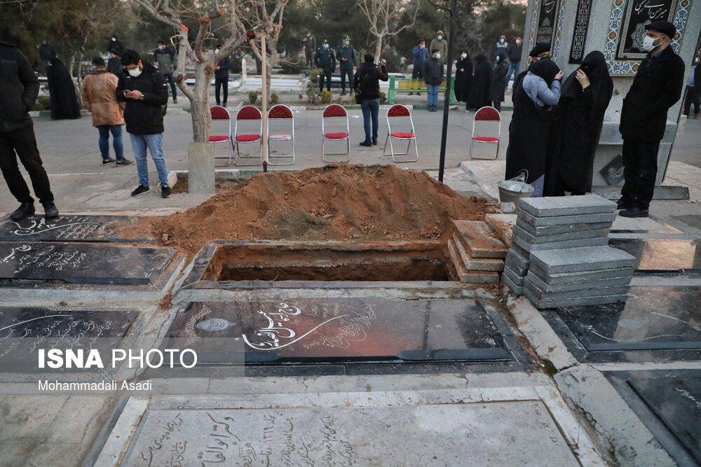 61844526_34E83281-0DB0-4F09-BB41-16324B372823 مراسم خاکسپاری مرحوم علی انصاریان