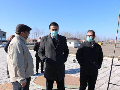 بازدید شهردار و اعضای شورای شهر از روند نصب المان چاف