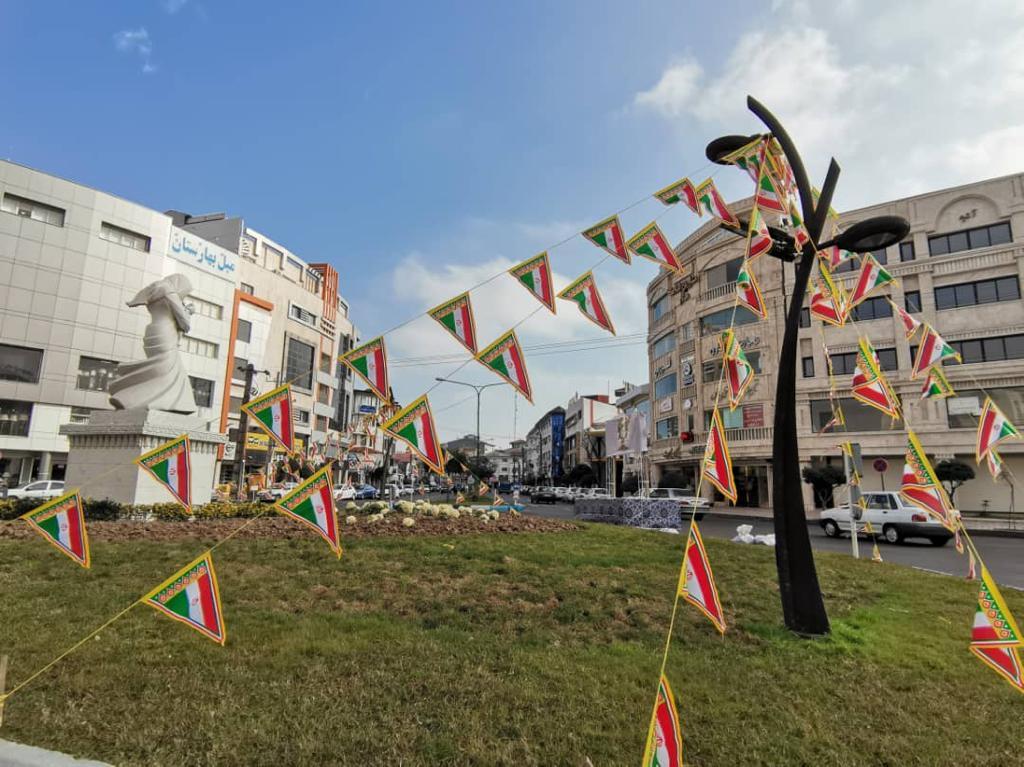 abedd13c-6fa7-4e12-96a2-e43726d01cf3 نصب المانهای دهه فجر در میدانهای رشت