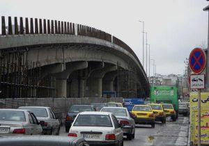 خودکشی جوان ۱۸ ساله رشتی از روی پل عابر