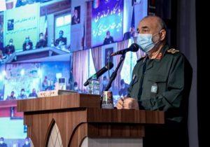 سرلشکر سلامی: ملت ایران خطا نمیکند چرا که نگاهش به ستاره تابناکی به نام رهبری است | در ایران مردم حاکمیت را از آن خود میدانند؛ استثناییترین حکومت تاریخ را شکل دادهاند