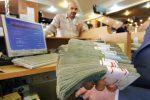 طفره دولت از افشای نام بدهکاران بانکی/ ابربدهکاران بانکی چطور وام هنگفت گرفتند و پس ندادند؟