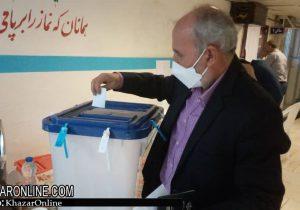 حضور زندانیان در پای صندوق های رای