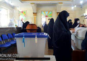 حضور پرشور مردم رشت در پای صندوق های رای