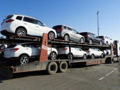خودروهای لاکچری غیربومی که با تریلی حمل خودرو وارد گیلان میشوند!